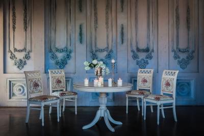 Стол Балли и стулья Ита 4